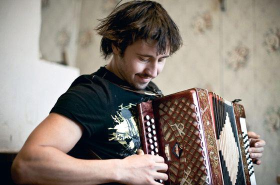 Игорь Растеряев трудится над новыми песнями