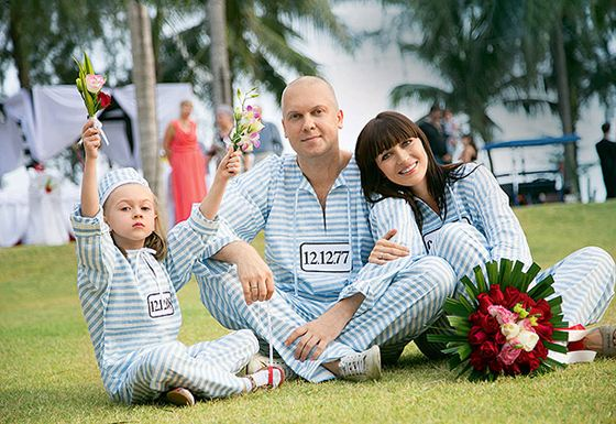 Светлаков, его вторая жена Антонина и дочь от первого брака Настя
