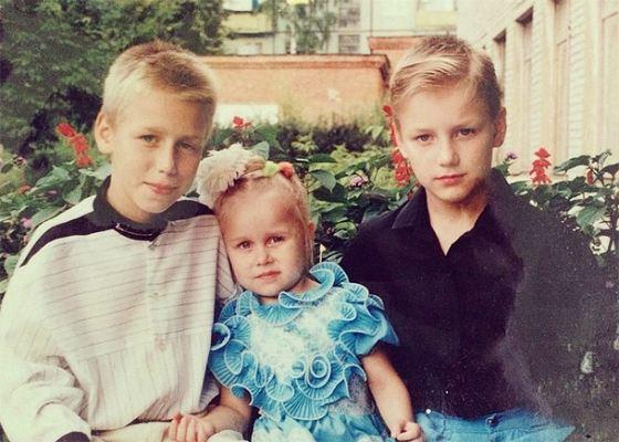 Алексей Воробьев с братом Сергеем и сестрой Галиной