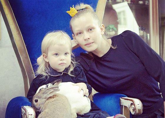 Юлия Пересильд с дочкой