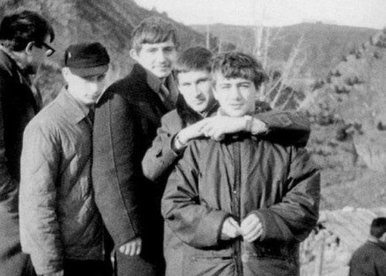 Аркадий Ротенберг (справа) и Владимир Путин (слева) в юности