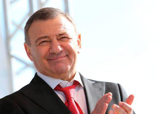 Аркадий Романович — российский миллиардер