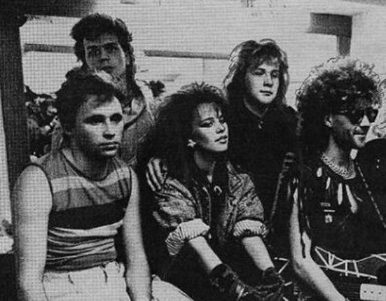Ирина Салтыкова (в центре) с группой «Мираж»