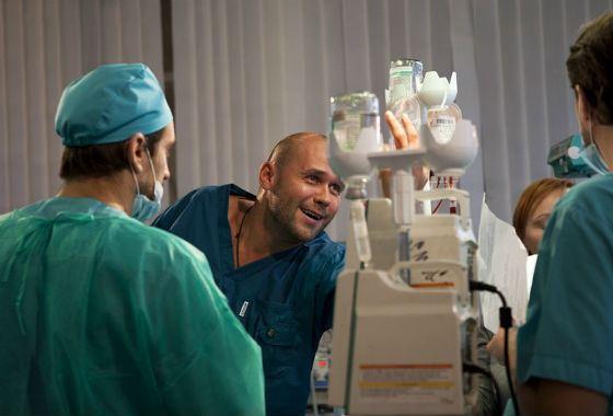 Из следователей – в хирурги
