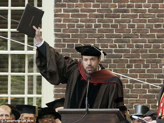 Высшее образование Бен Аффлек получил лишь в 2013 году