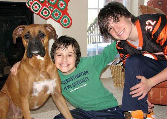 Джош Хатчерсон с братом