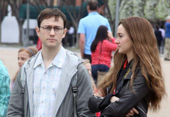 «Сноуден»: Шейлин Вудли сыграла подругу главного героя Линдси Миллс