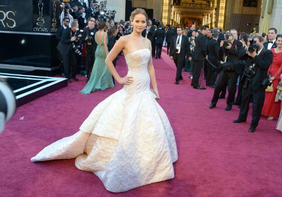 Платье Дженнифер Лоуренс на церемонии «Оскар» в 2013 году