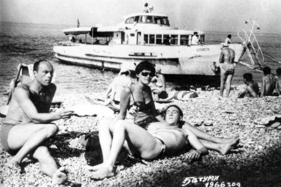 Станислав Говорухин, Владимир Высоцкий и Мария Шалаева на отдыхе