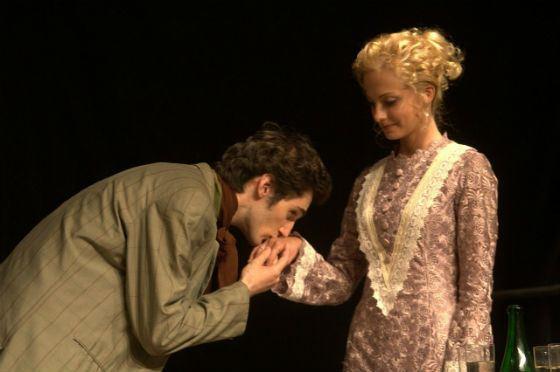Полина Максимова на сцене театра