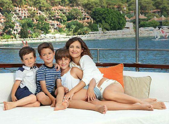 Екатерина Климова с детьми на отдыхе