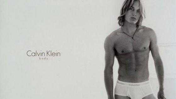 Трэвис Фиммел в рекламе Calvin Klein
