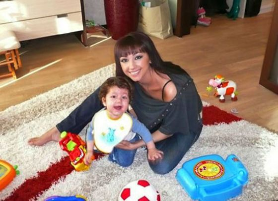 Согдиана и ее старший сын Арджун
