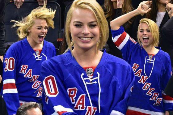 Марго Робби болеет за нью-йоркский хоккейный клуб «Rangers»