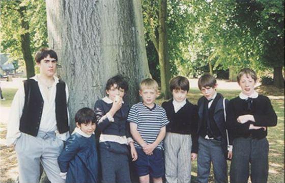 Детское фото Дэниела Рэдклиффа (третий справа)