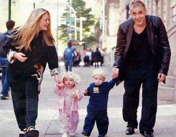 Аль Пачино и Беверли Д'Анджело с детьми