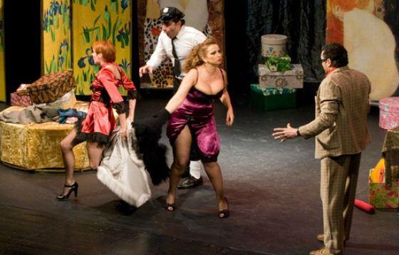Анфиса Чехова в спектакле «Однажды знойной ночью»