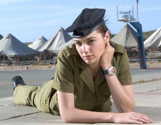 Галь Гадот отслужила почти 2 года в армии Израиля