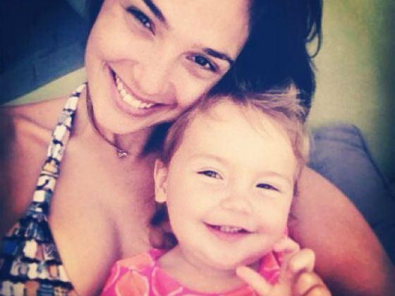 Галь Гадот с дочкой Альмой