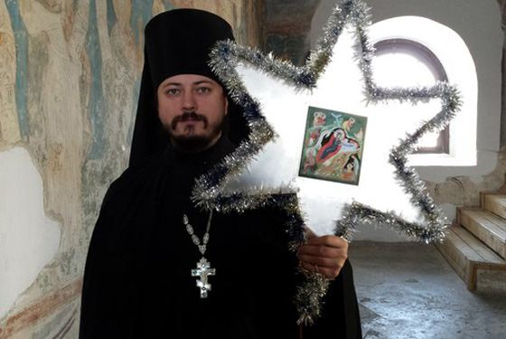 Монах Фотий служит в Свято-Пафнутьевском монастыре