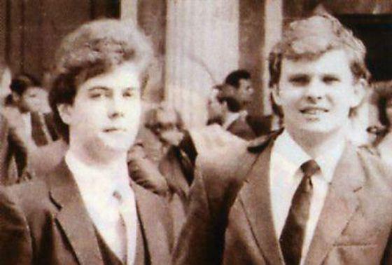 Дмитрий Медведев (слева) в студенческие годы
