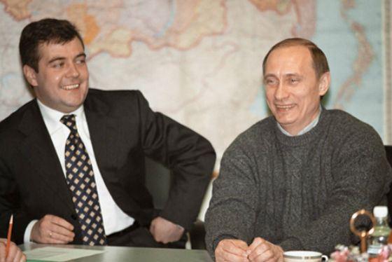 Владимир Путин и Дмитрий Медведев в начале 2000-х