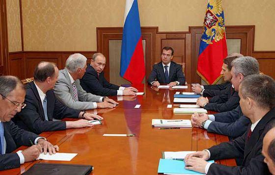 Президентство Дмитрия Медведева началось с серьезного испытания