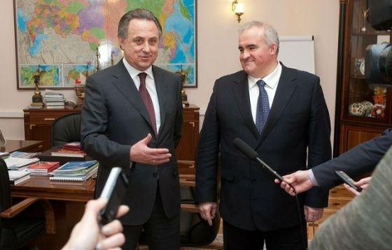 На фото: Сергей Ситников и министр спорта Виталий Мутко
