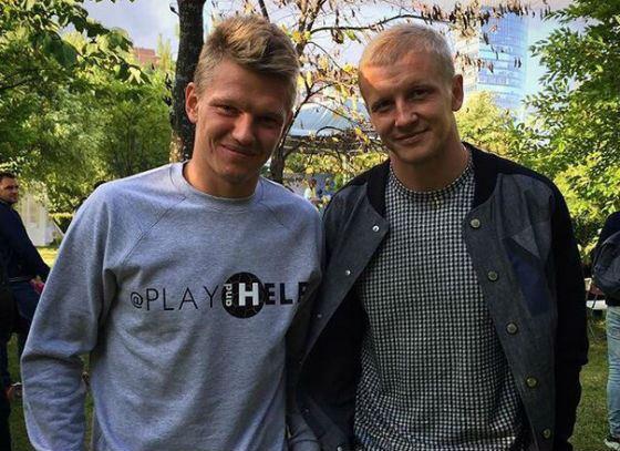 Олег Шатов с одноклубником Игорем Смольниковым