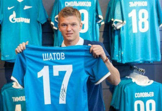 В 2016 Олег Шатов играл полузащитником в «Зените»