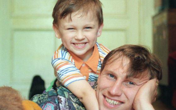 Маленький Денис Черышев с отцом, Дмитрием Черышевым