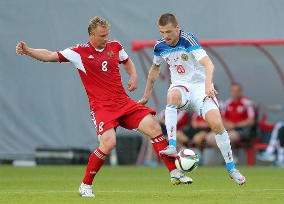 В июне 2015 Олег Иванов дебютировал в составе команды против сборной Белоруссии