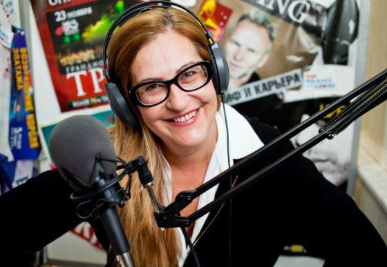 Популярная писательница и радиоведущая Алиса Шер