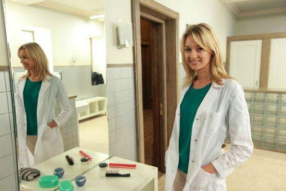 В «Закрытой школе» Евгения Лоза сыграла врача Ларису
