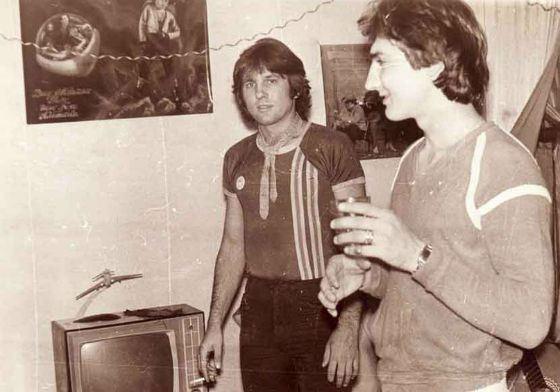 С 1983 года Юрий Лоза играл с «Зодчими»