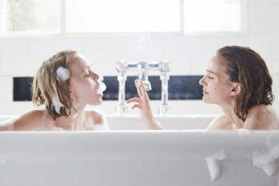 «Планетарий»: Лили-Роуз Депп и Натали Портман сыграли двух сестер