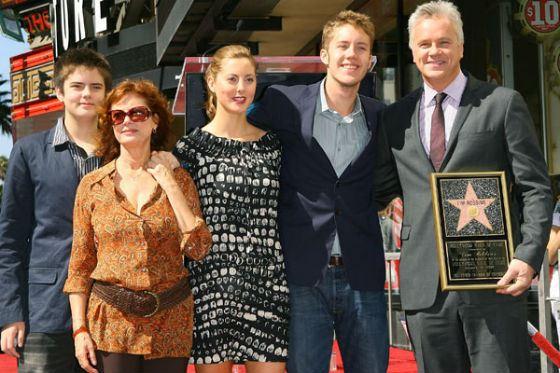 Тим Роббинс с детьми и бывшей женой