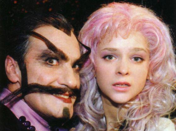 Спектакль с Ксенией Князевой, «Бедная крошка», – сказка на новый лад