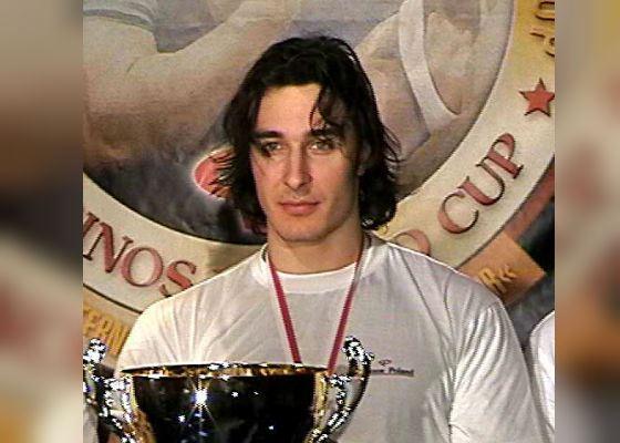 Молодой Алексей Воевода – победитель Кубка мира по армрестлингу (2003 год)