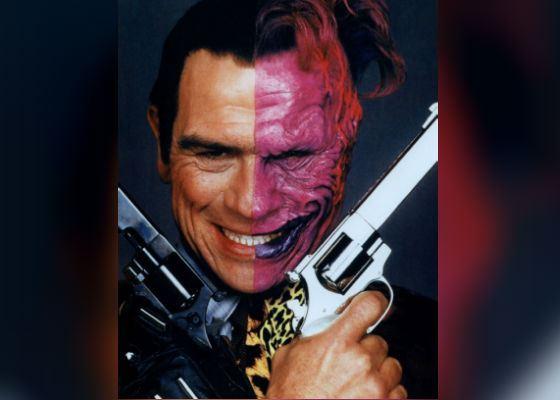 «Бэтмен навсегда»: Томми Ли Джонс в роли злодея Двуликого