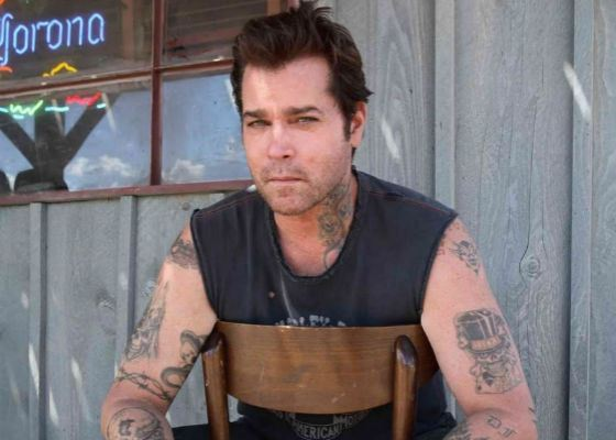 В 2007 Рэй Лиотта перевоплотился в байкера