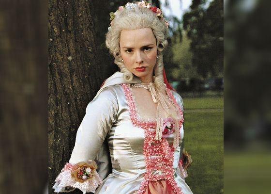 «Пером и шпагой»: Елена Николаева в роли дворянской дочери Насти