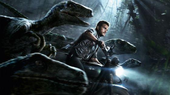 В «Мире Юрского периода» Крис Прэтт спасал всех от разъяренных динозавров