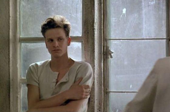 Первая роль Колина Ферта («Другая страна», 1984)