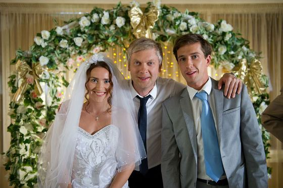 В «Горько» Юлия Александрова играет капризную невесту