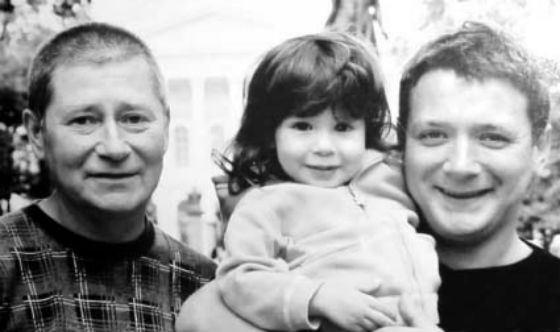 На фото: Ян Цапник, его отец Юрий Цапник и дочь Лиза Цапник
