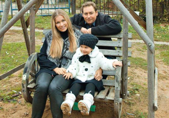 Станислав Дужников, Кристина Бабушкина и их дочь Устинья