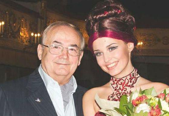 На фото: Аглая Шиловская и ее дедушка Всеволод Шиловский