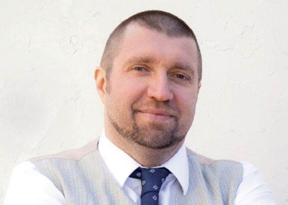 Дмитрий Потапенко начал торговать на Горбушке