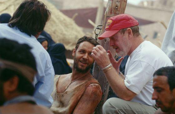 Ридли Скотт и Рассел Кроу на съемках «Гладиатора»